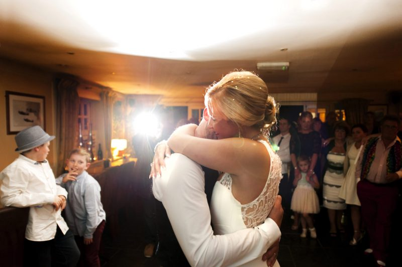 First dance by Sussex wedding photographer James Robertshaw